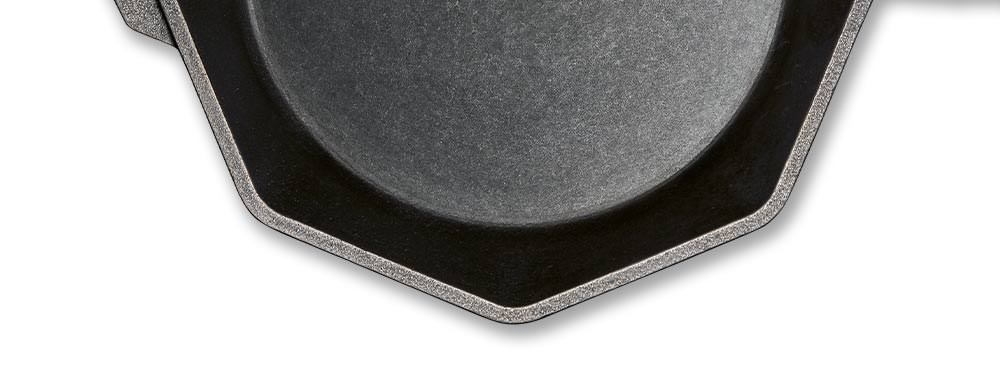 details-skillet-machined-cooking-surface